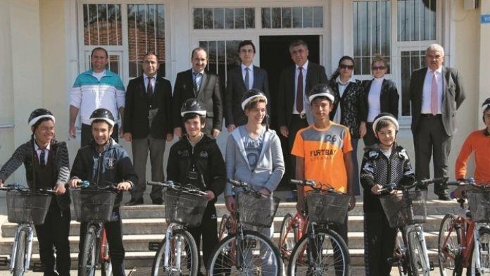 Milli Eğitim Bakanlığı Ve Sağlık Bakanlığı 15 Adet Bisiklet Dağıttı