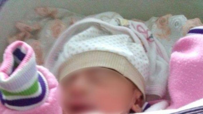 15 Günlük Bebeği Karayoluna Bıraktılar