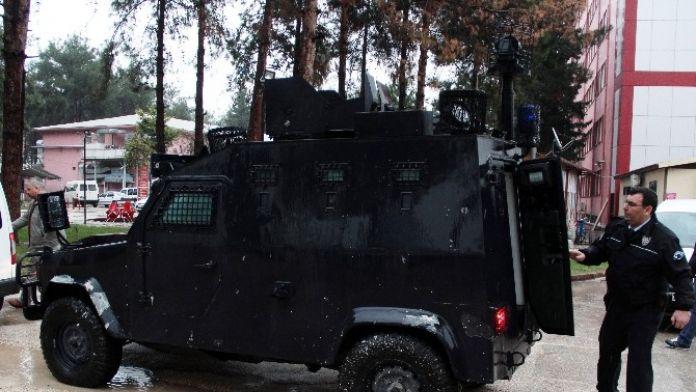 Cinayet Zanlısı Adliyeye Zırhlı Araç İle Götürüldü