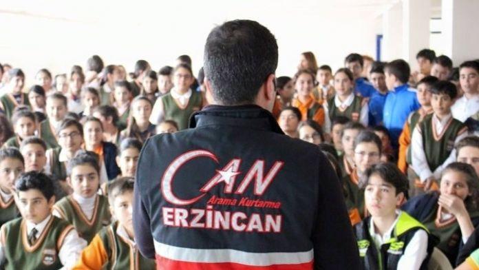 Erzincan'da Gençlere Afet Seminerleri Veriliyor