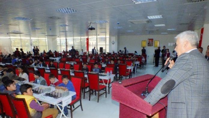 Atatürk'ün Serik'e Gelişi Satranç Turnuvasıyla Anılıyor