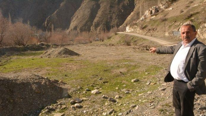 50 Hanelik Derecik Köyü Hibe Ettikleri Arsaya Okul Yapılmasını İstiyor