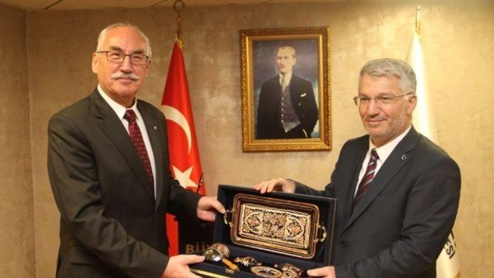 Polonya Büyükelçisi, Kocaeli Büyükşehir'i Ziyaret Etti