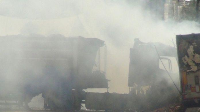 TIR'ı ateşe veren teröristler polisle çatıştı