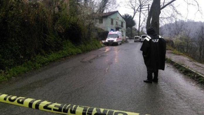 Zonguldak'ta bir evde 3 ceset bulundu (1)