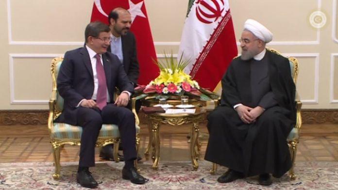 Davutoğlu Ruhani'yle görüştü