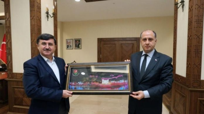 Trabzon Valisi Öz'den Amasya Valisi Çomaktekin'e Ziyaret
