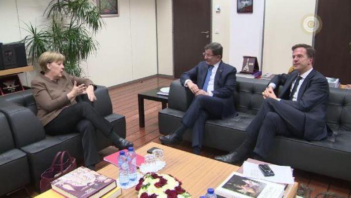 Başbakan Davutoğlu, Almanya ve Hollanda Başbakanlarıyla görüştü
