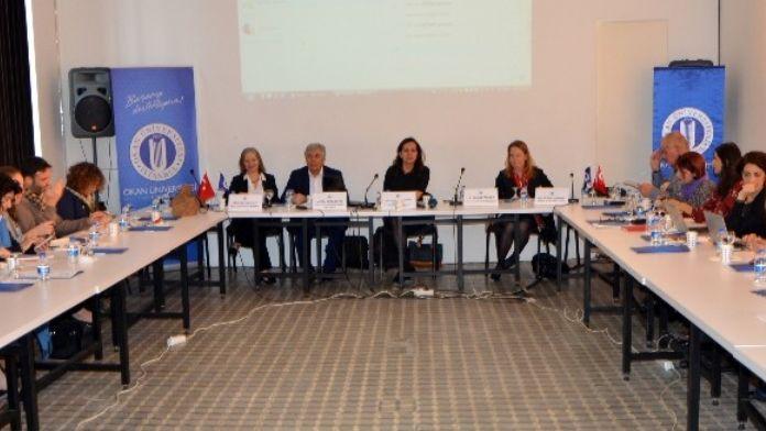 Dünya Kadınlar Günü Öncesi 'Türkiye'deki Suriyeli Kadın Mülteciler' Paneli