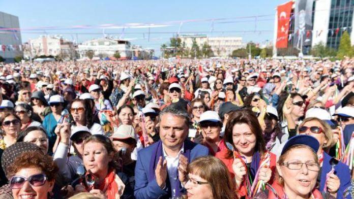 Muratpaşa'nın 669 kadın çalışanı 8 Mart'ta izinli