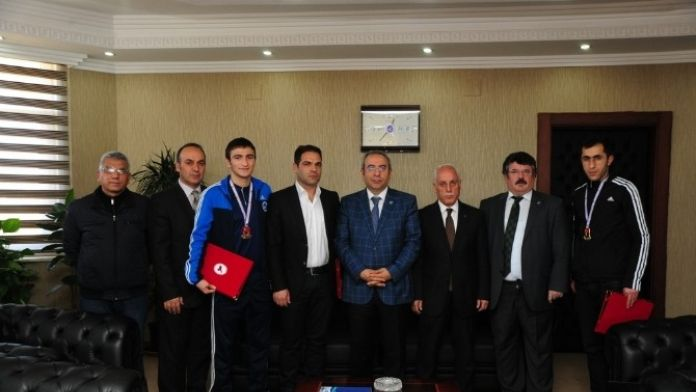 YYÜ Sporcuları Başarılarına Bir Yenisini Ekledi