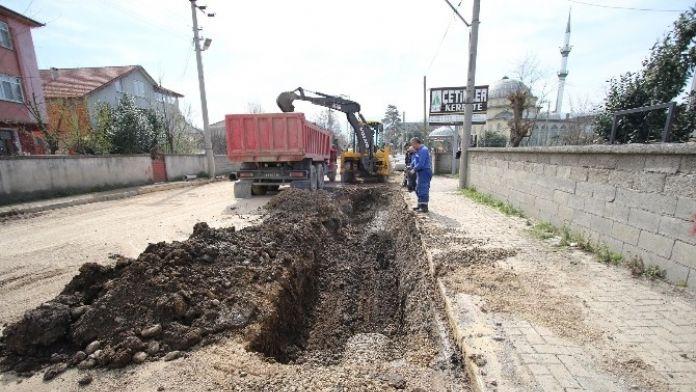 Karaçalılık Mahallesinde Alt Yapı Çalışmaları Devam Ediyor