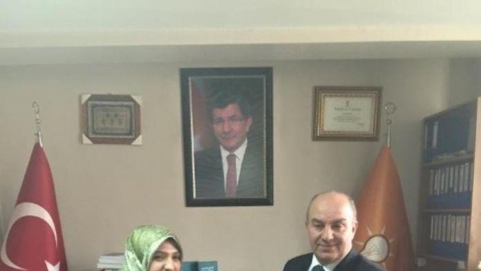 Başkan Ergün'den Kadınlara Çiçek