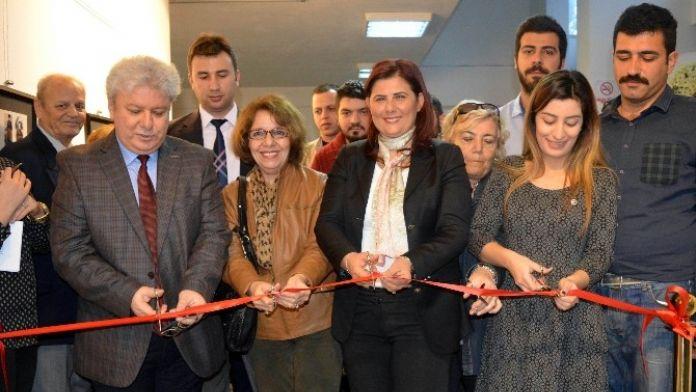 Aydın'da Kadınlar Anısına Sergi Açıldı
