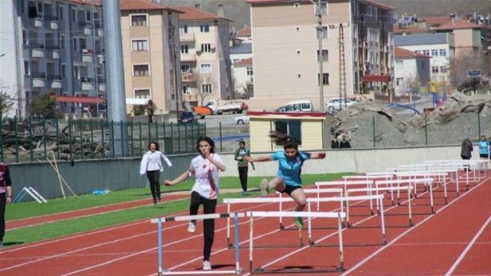 Gençler Atletizm Müsabakaları Yapıldı
