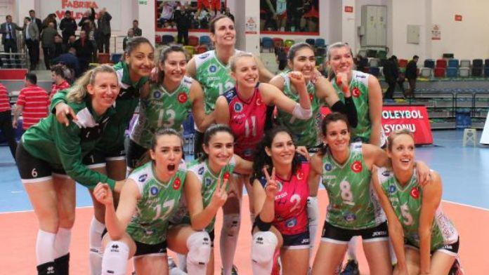 Bursa Büyükşehir Belediyespor Challenge Kupası yarı finalinde oynuyor