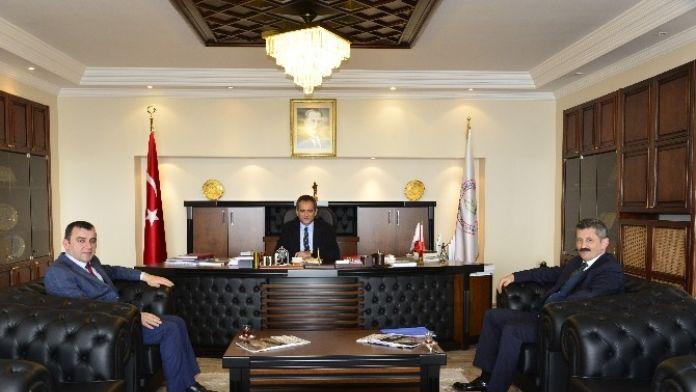 Zeki Tosun Ve Ahmet Çolakoğlu Rektör Özer'i Ziyaret Etti