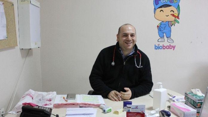 Saray'a İki Çocuk Doktoru Birden