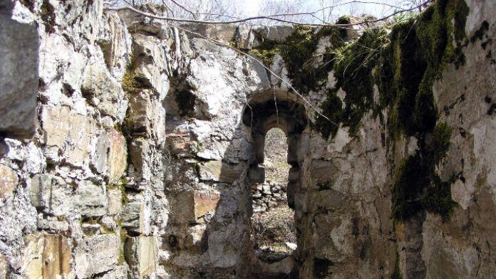 Amanoslarda antik ören yeri kalıntıları bulundu