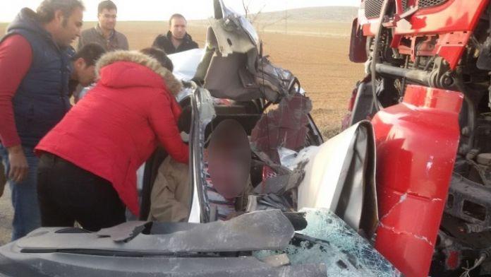 Konya'da Tır İle Otomobil Çarpıştı: 2 Ölü