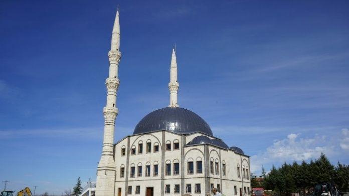 Şifa Camii Çevre Düzenleme Çalışmaları Devam Ediyor