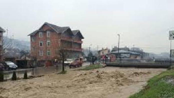 Sırbistan'da sel nedeniyle bazı beldelerde olağanüstü hal ilan edildi