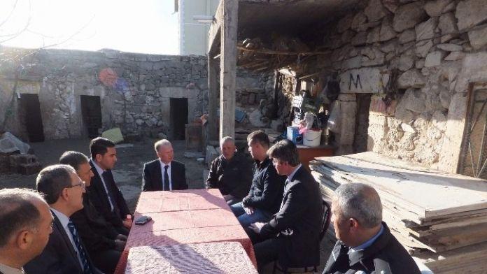 Vali Ceylan Cizre'de Gazi Olan Askeri Ziyaret Etti