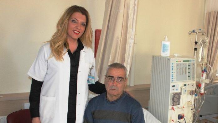 Diyaliz Hastası Makineye Bağlı Yaşam Sürmekten Kurtuldu