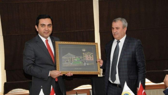 Kırşehir Belediyesi Bitlis Gölbaşı Belediyesi İle Kardeş Şehir Protokolu İmzaladı