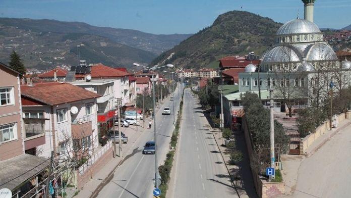 Geyve'de Konyalı Ali Bey Caddesi Yenilenecek