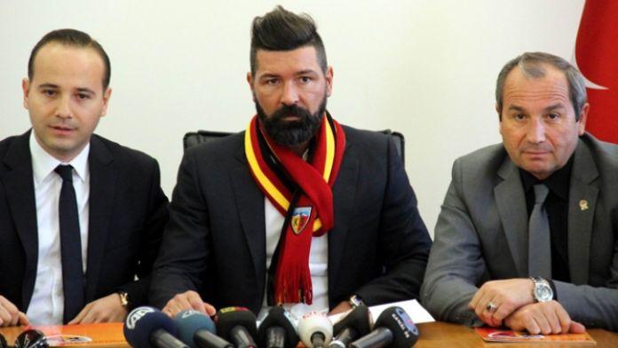 Kayserispor yeni hocasına imzayı attırdı