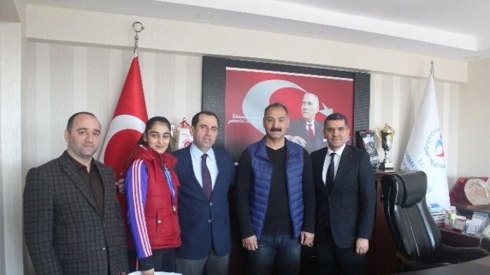 Başarılı Tekvandocudan Mehmet Demir'e Ziyaret