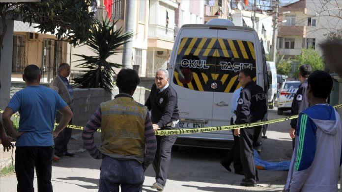 Okul servisinin altında kalan çocuk öldü