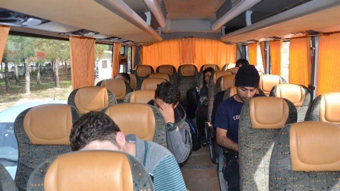 Biga'da 54 Mülteci Yakalandı