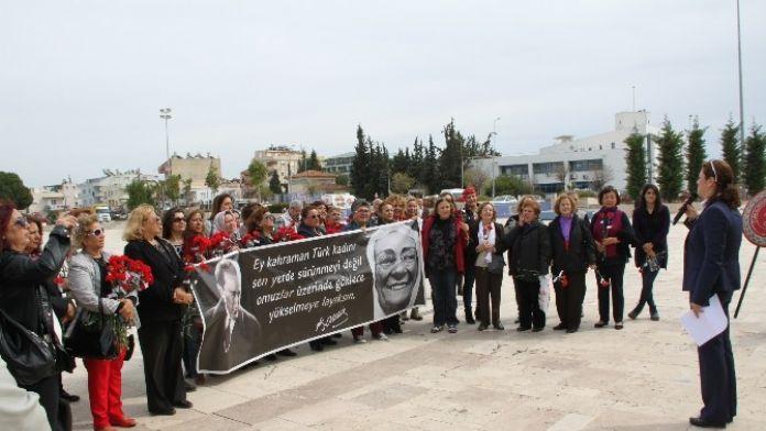 Didim'de CHP'li Kadınlar 8 Mart'ı Kutladı