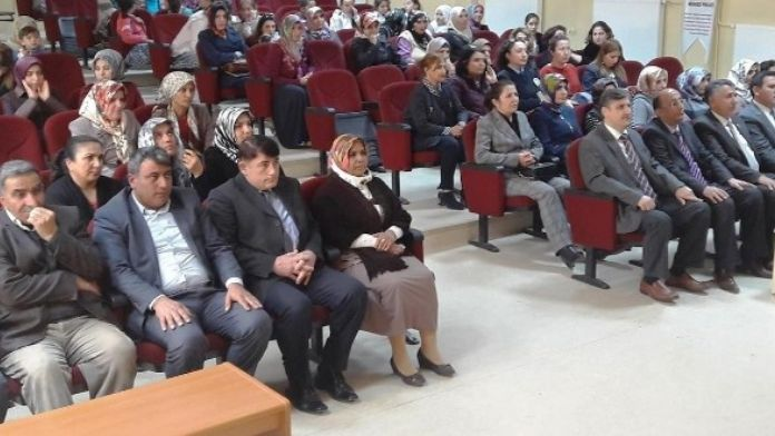 Yazıhan'da, 8 Mart Dünya Kadınlar Günü Kutlandı