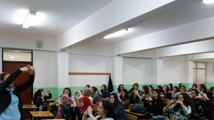 Ödemiş'te Öğrenciler İşaret Dili Öğreniyor