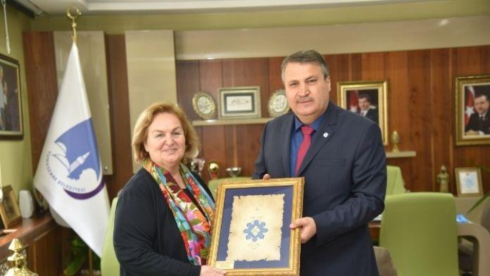 Başkan Çerçi Mevlana'nın Torununu Ağırladı