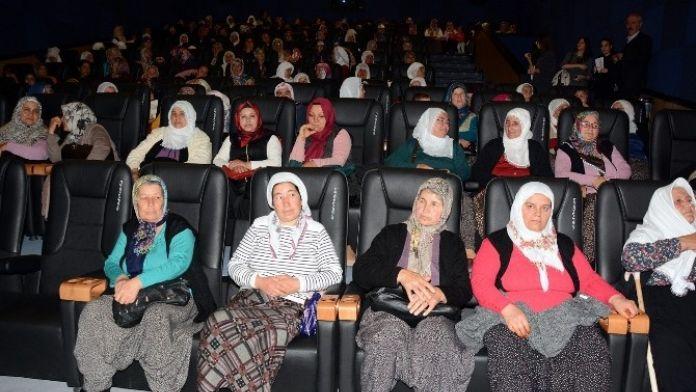 Mersin Büyükşehir Belediyesi, Kadınları Sinema İle Tanıştırdı
