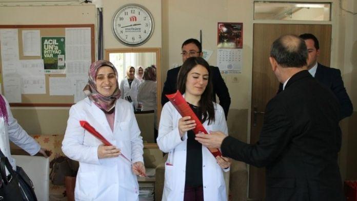 Başkan Öztürk'ten Mehmet Gölhan İlkokulu'na Kadınlar Günü Ziyareti