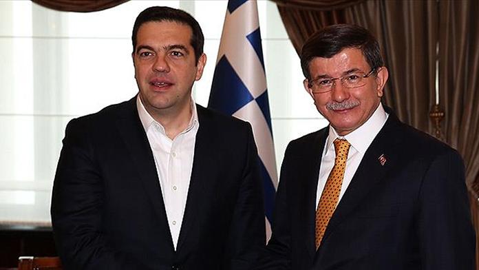 Davutoğlu ve Çipras ortak açıklama yaptı