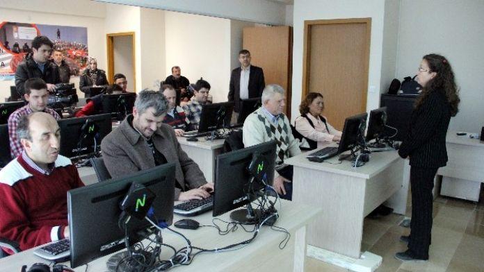 Görme Engellilere Bilgisayar Kullanımı Kursu