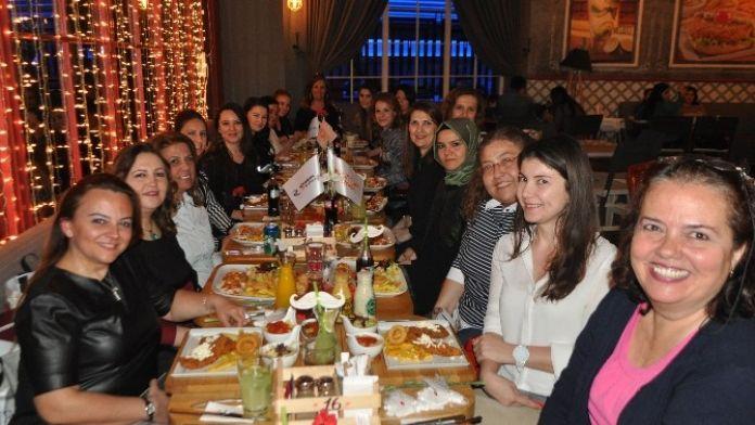 Kadın Bloggerlar Bir Araya Geldi