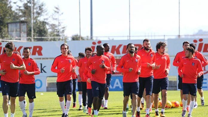 Futbolcular Başkan'a galibiyet sözü verdi