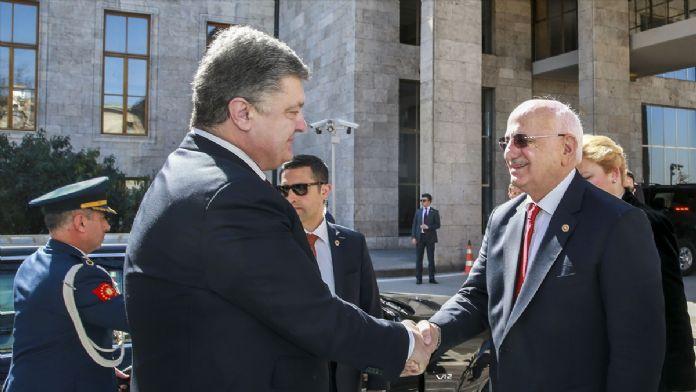 TBMM Başkanı Kahraman, Ukrayna Devlet Başkanı Poroşenko ile görüş