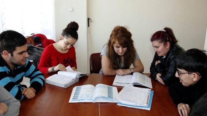 Çankaya Belediyesi 'Engelsiz Dershane' Öğrencileri YGS'ye Gün Sayıyor