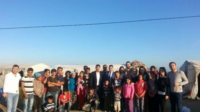 CHP'li Gençlerden Çadırda Yaşayan Çocuklara Yardım