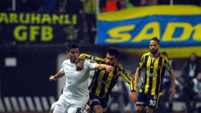 Akhisar Belediyespor'da Alper 3 hafta yok
