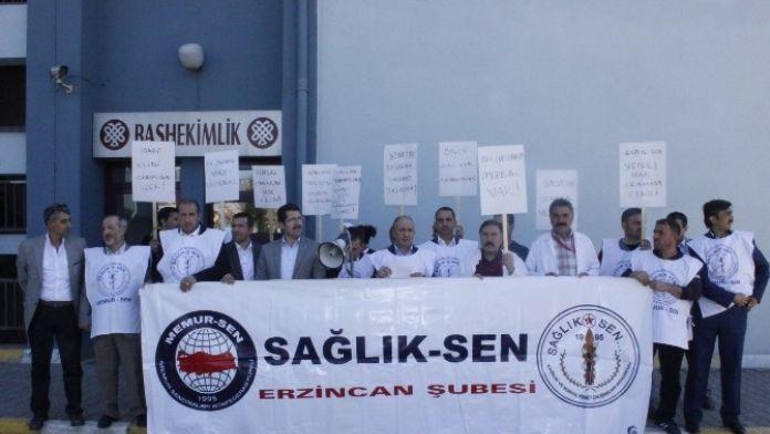 Sağlık Çalışanları Protesto Gösterisi Yaptı