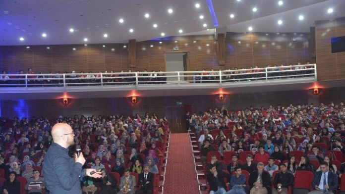Torbalı'da Gençlere Sınav Stres Yönetimi Anlatıldı